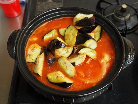 鶏むね肉と茄子のトマト鍋052