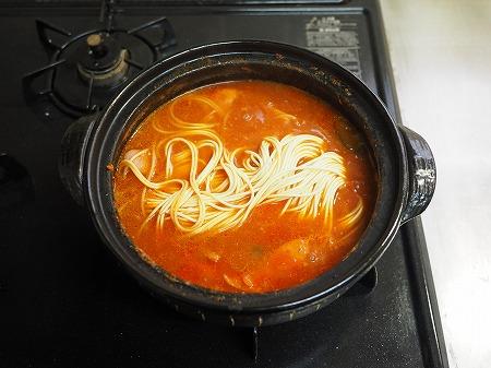トマト鍋締めのパスタ048