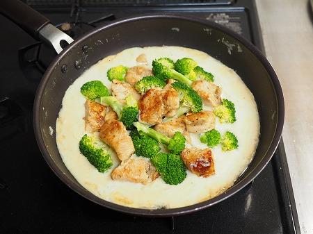 鶏むね肉とブロッコリーのシュク136