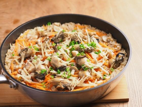 牡蠣のフライパン炊き込みご飯038