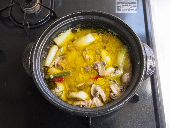 牡蠣のアヒージョパスタ001