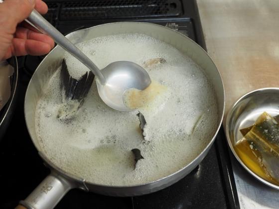 メジナの味噌汁018