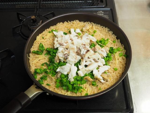 鯛と菜の花の炊き込みご飯070