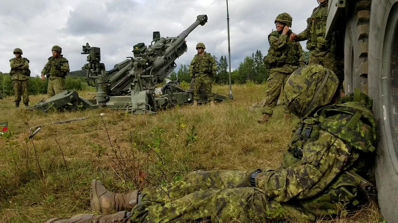 居眠りをしたカナダ軍兵士を、壮絶な方法で起す!!
