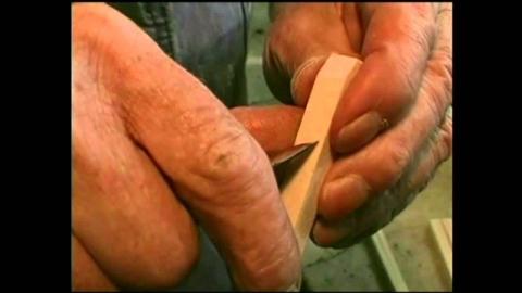 木製のペンチ_01