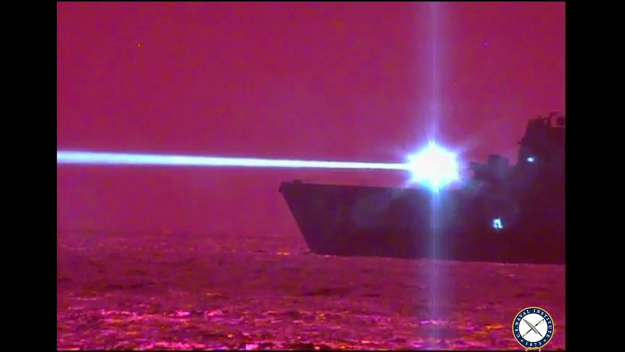 アメリカ海軍がレーザー砲でドローンを撃破!!