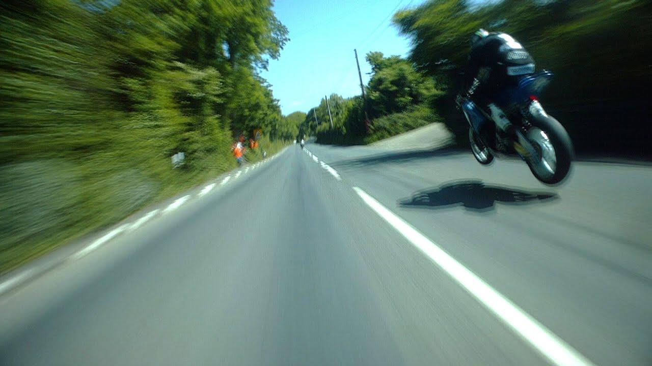 恐怖のマン島TTレースのバイクの車載カメラの映像が怖すぎる!!