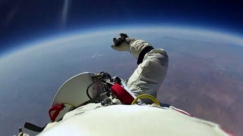 宇宙からのスカイダイビング_01