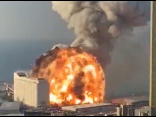 レバノン首都の街中で信じられない大爆発が発生。