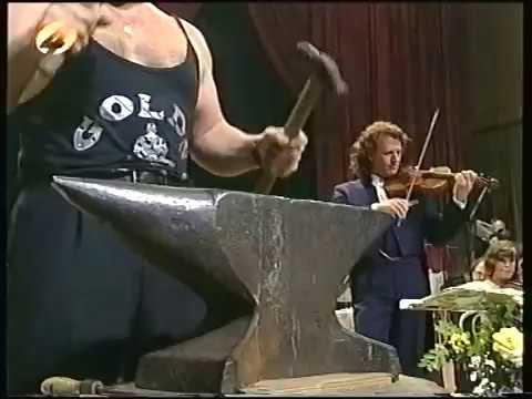 鍛冶屋が演奏に参加するオーケストラが楽しい!!