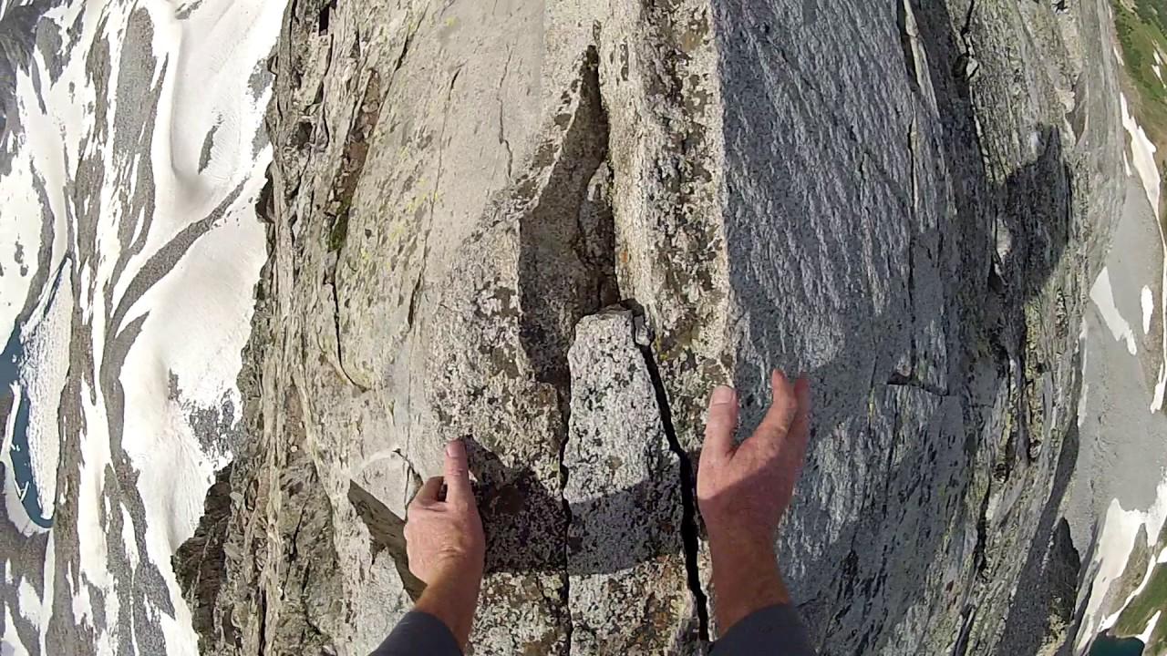 思わず息を呑む、断崖絶壁の登山ルートが恐ろしい!!