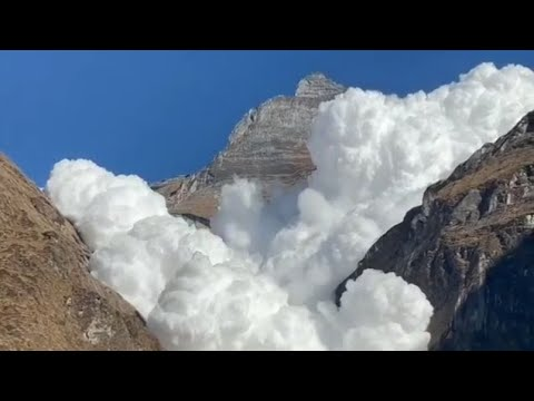 エベレストの雪崩_01