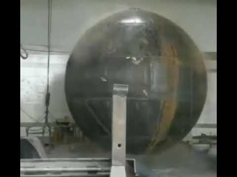 まん丸の球体のタンク_01