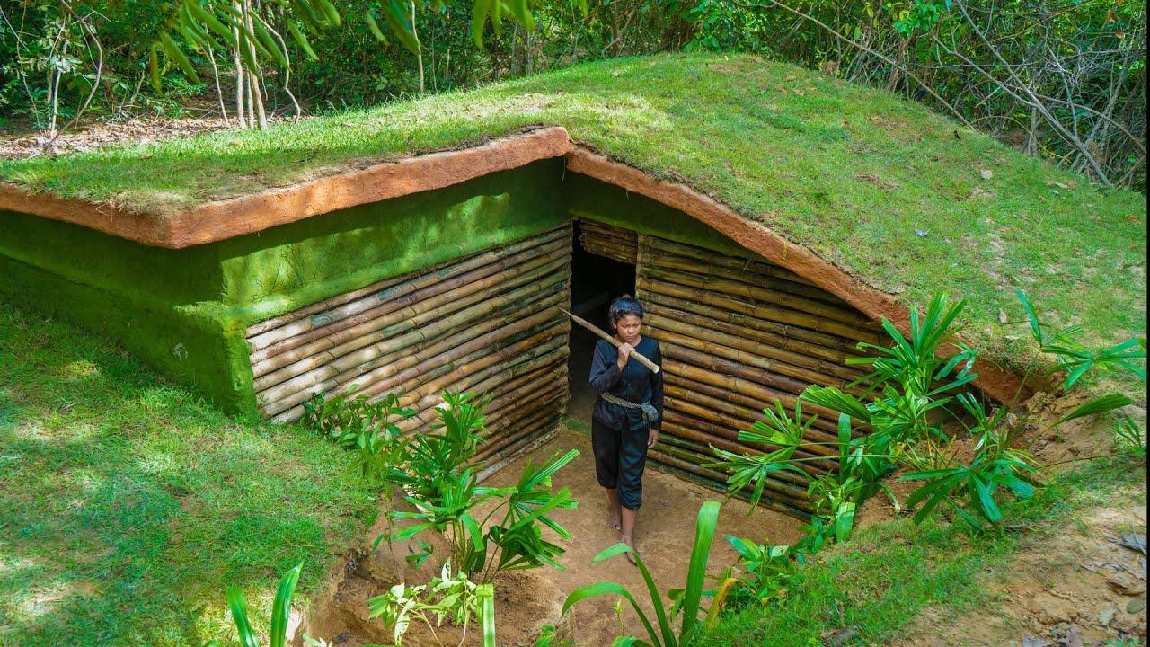 タイのジャングル奥地でナタだけで家を作るお姉さんが凄い!!