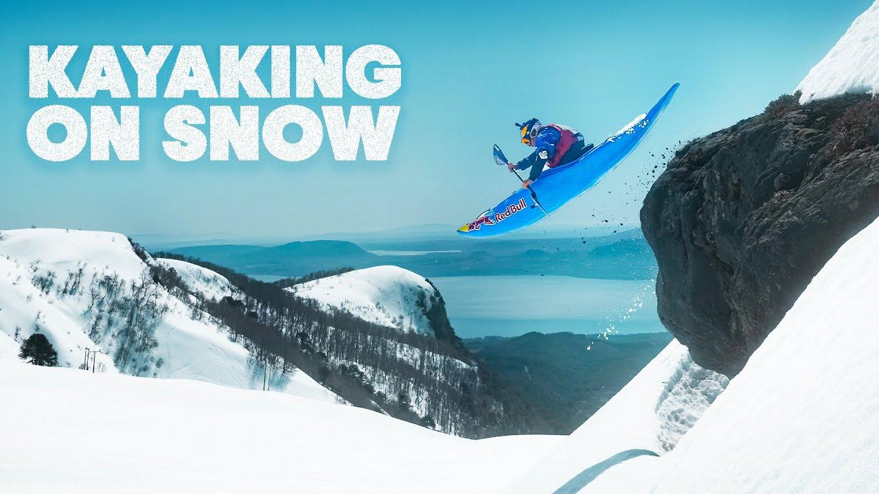 超高い雪山の山頂から、ゲレンデをカヌーで滑走する。。