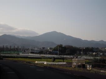 大山方面朝はちょっと雪が見えたみたい210323