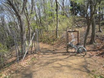 鹿柵の所に自転車を置いて210327