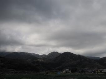 大山の方は雲が210329