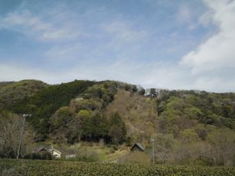 尾崎の交差点直進行き止まりでもあの稜線みて210329