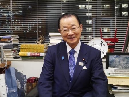 売国奴にも程がある! ~ 【アキラメロン】日韓議員連盟幹事長、「文喜相強制徴用補償案通過すれば首脳会談し輸出規制解けるだろう」