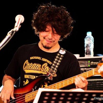 taka Bassist