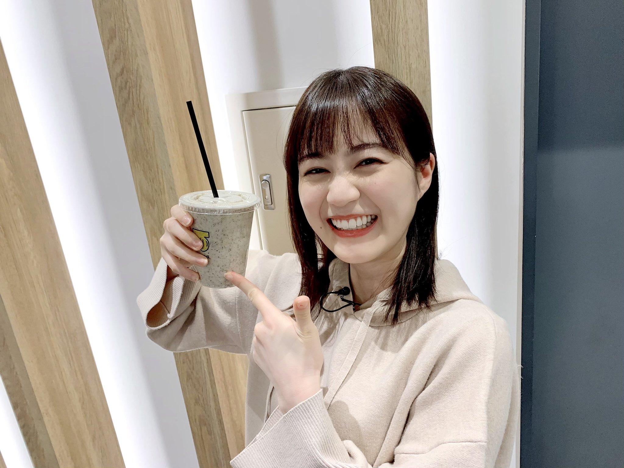 乃木坂1期実況中 おいシャン鑑賞中にバナナジュースで盛り上がる生田絵梨花