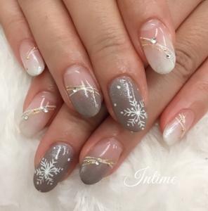雪の結晶ネイル