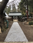 R21125鹽竈神社神門前参道砂利敷き詰め完了