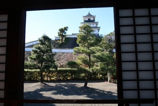 掛川城二の丸御殿から天守