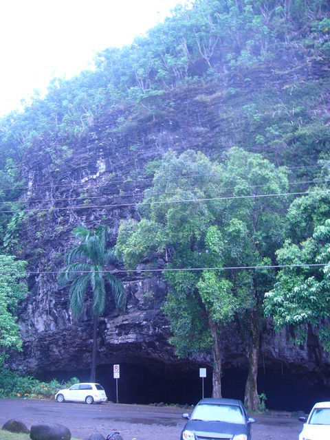 17632927_447949847_ペレが住んでた洞窟