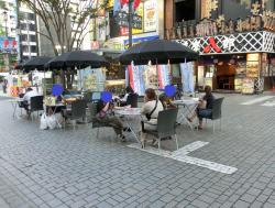 モア4番街2 新宿駅東口記事2