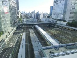 6階ガーデン 新宿駅南口眺望 新宿駅南口記事