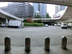 西口広場 新宿駅西口記事