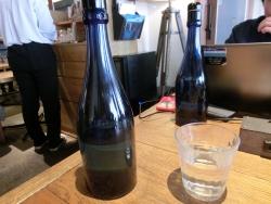 ボトルと水 ラテグラフィック記事