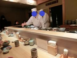 コの字カウンター つじ平記事
