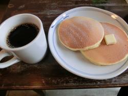 フカダソウカフェ パンケーキとコーヒー 岩崎宏美記事