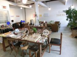 フカダソウカフェ 店内1 岩崎宏美記事