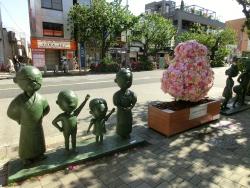 サザエさん一家の銅像 桜新町・深沢散策1