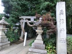 奥澤神社 クレープスノカオイ