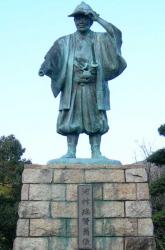 川村瑞賢の銅像 新川散策1