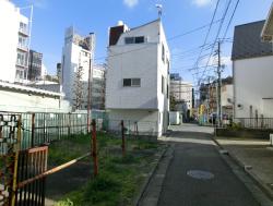 細長い空き地 三田用水散策4