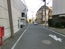 青葉台に入る 三田用水跡散策4