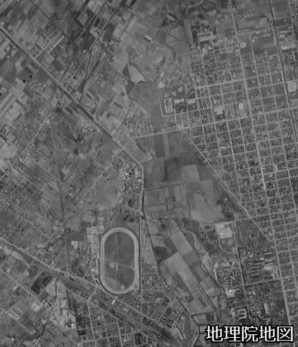 空中写真1961年 琴似川旧河道 新川への接続の下流部
