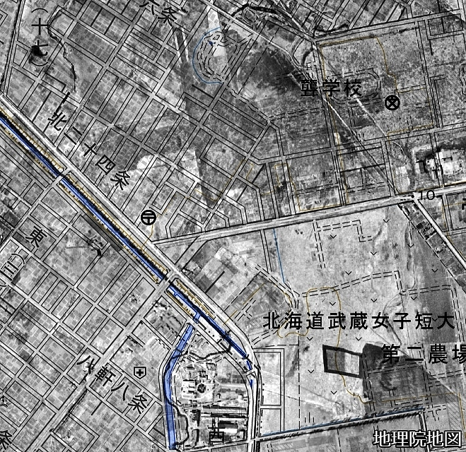 空中写真1948年×現在図 琴似川旧河道 武蔵短大、白楊町内会