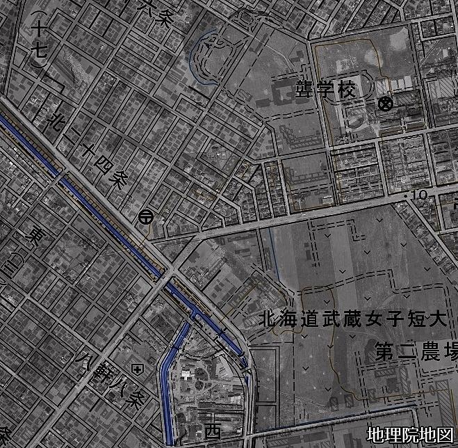 空中写真1961年×現在図 琴似川旧河道 武蔵短大、白楊町内会