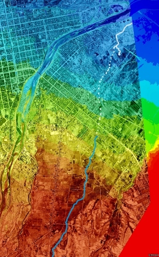 色別標高図×1948年空中写真 小泉川?