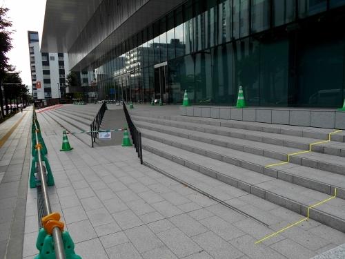 NHK札幌新放送会館 正面階段