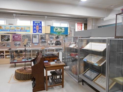 白石小学校郷土資料室-2