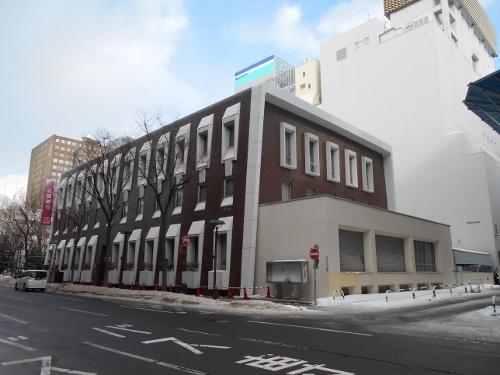 北陸銀行札幌支店 南西角
