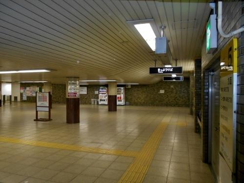 地下鉄琴似駅コンコース 天井-3